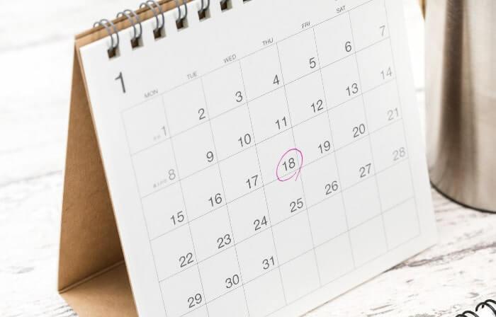 印のついた卓上カレンダー