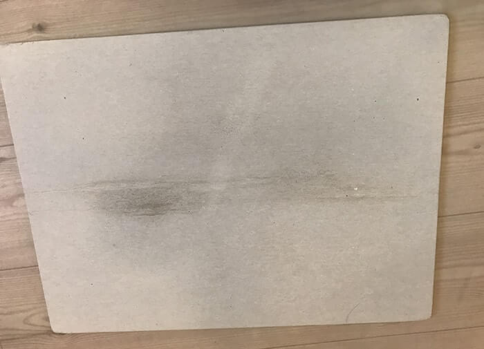 珪藻土バスマット裏のカビ汚れ