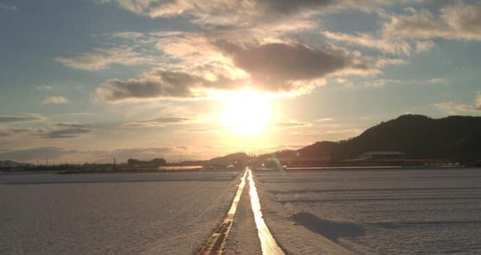 太陽へと続く道